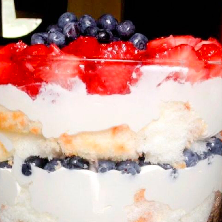 Easy Red White Blue Desserts layered cake